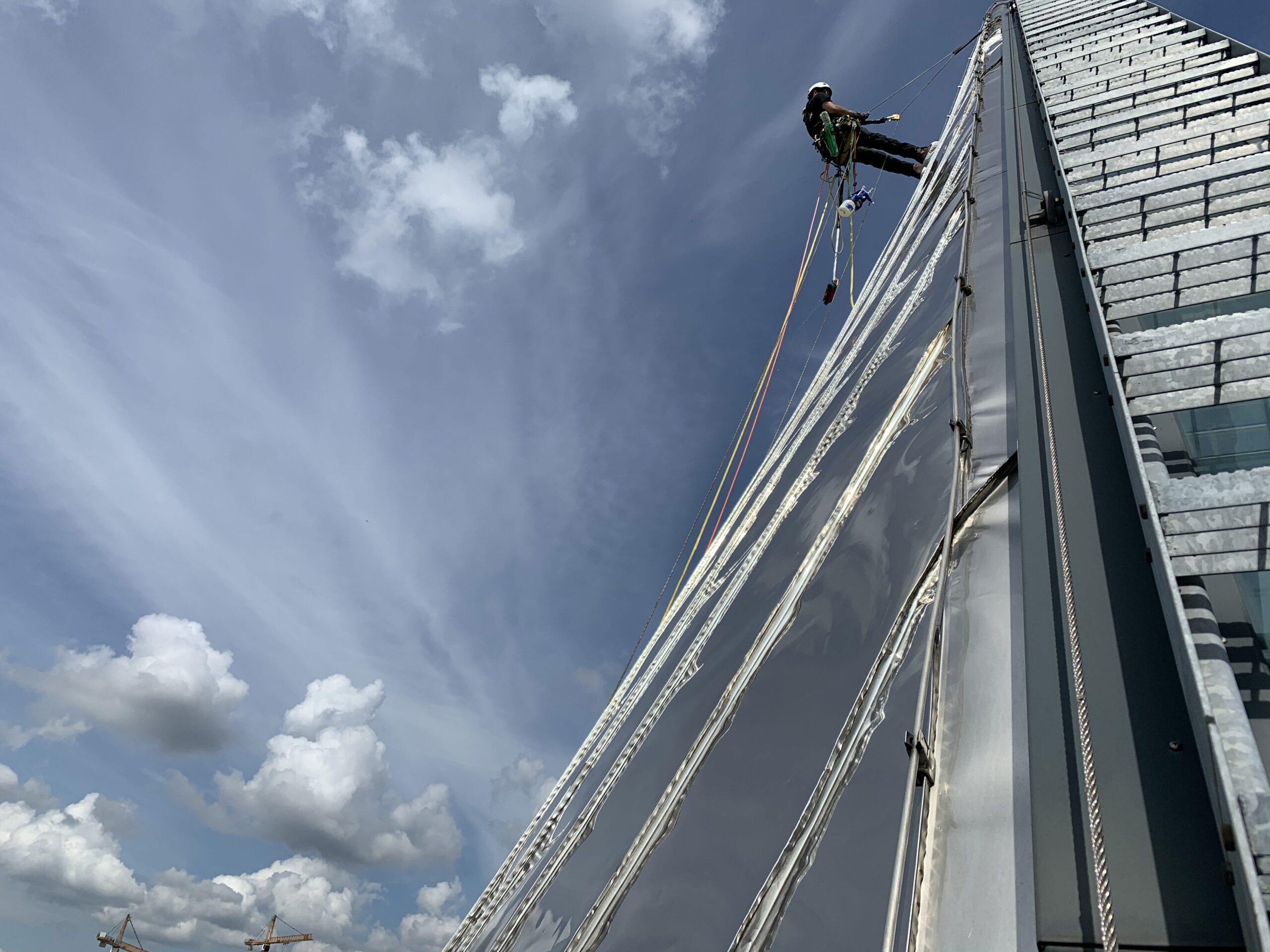 Rope Access specialistisch reinigen - HWS - High Work Solutions