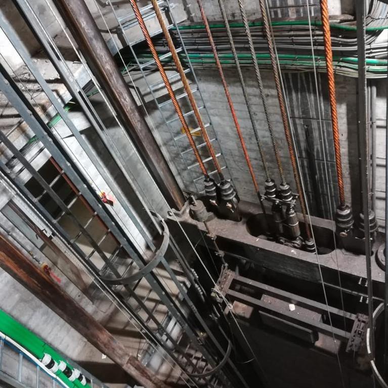 Kooi ladders vervangen liftschacht - Rope Access diepte - HWS - High Work Solutions